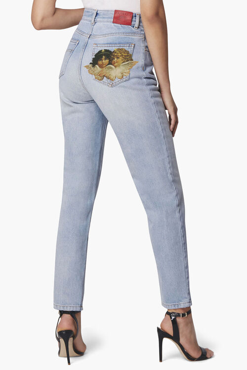 994050f9ed9 View Our Women s Jeans Collection
