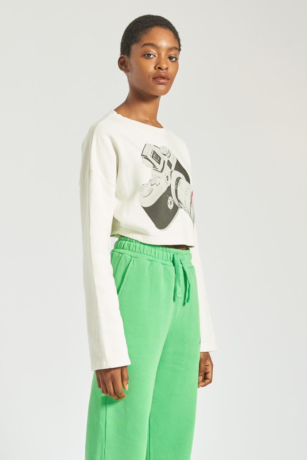 Woodland Vintage Camera Crop Sweatshirt Off White